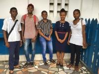 Les étudiants parrainés Silvano, Mampiaona, Kateachia, Marie Lydia et Maria