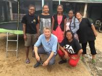 L'équipe de la Maison Antoine : Béa, Jeannette, Claudine, Annou, la lessiveuse, Jacques et Romy