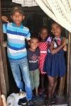 Un groupe d'enfants chez Paulinah
